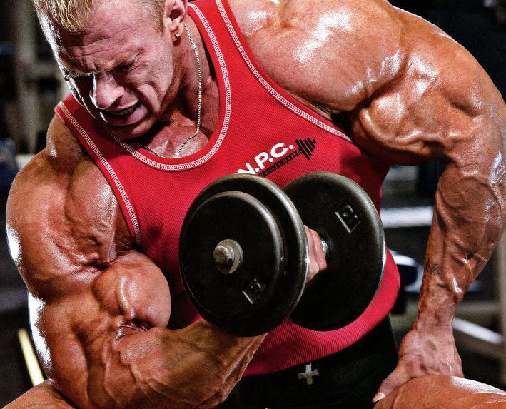 4 errores comunes al entrenar biceps: Por Dennis Wolf