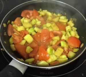 calabacin y tomate natural